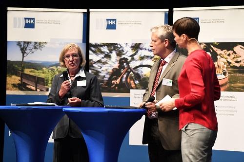 Présentation du BDUE lors du forum du commerce extérieur de la CIC régionale